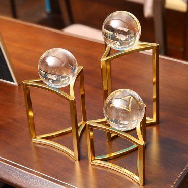 كرة الكريستال ذو القاعدة المعدنية ديكور و اكسسوارات