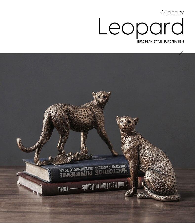 Retro Cheetah Ornaments Golden Jaguar Statue Desk Decoration Animal Statuette Resin Leopard Crafts American Vintage Home Decor
