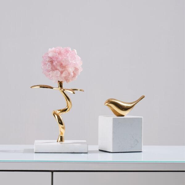 اكسسوار الوردة الزهرية الفاخرة على قاعدة الكريستال الذهبي اكسسوارات منزلية