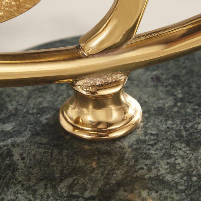 اكسسوار ورق العنب الذهبي بقاعدة رخام حقيقي اكسسوارات منزلية