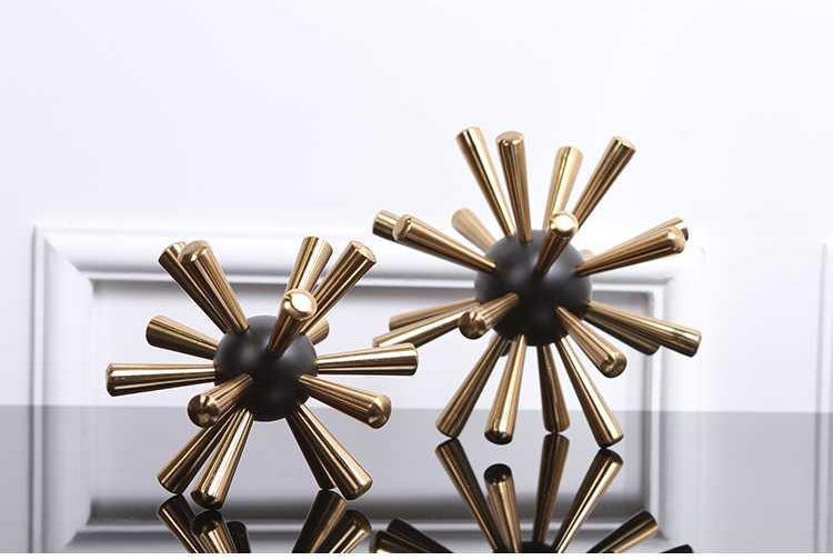 Nordic Luxury Metal Thorn Ball Ornaments Modern Living Room Wine Cabinet Tv Cabinet Living Room Bedroom Decoration Furnishings