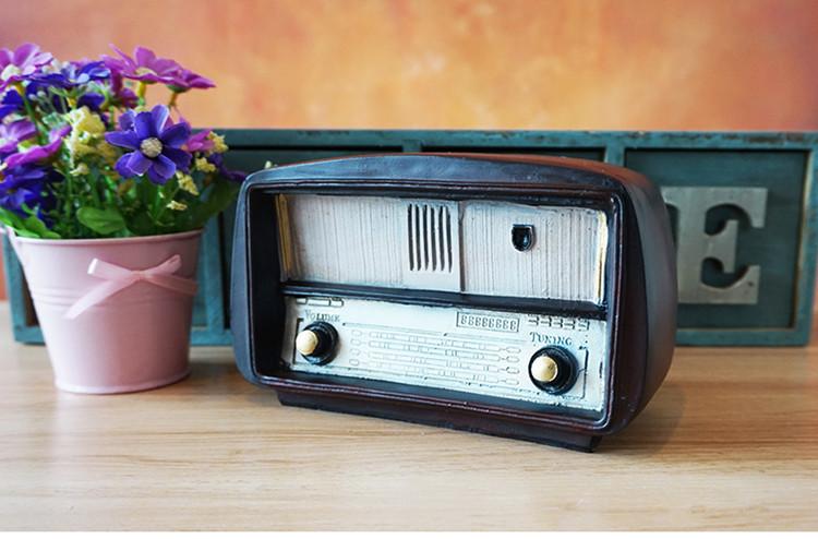 New European Resin Radio Model Nostalgia Jewelry Old Radio Craft Bar Home Decoration Accessories Gift Imitation Antique