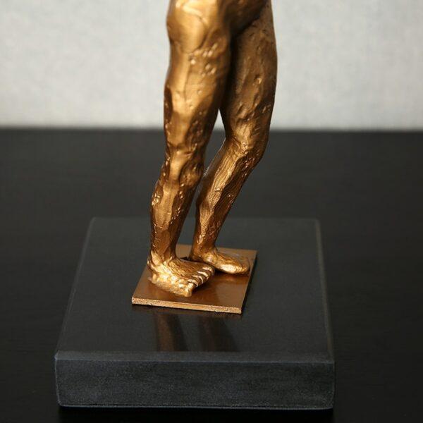 تمثال اكسسوار رجل جولدز جيم اكسسوارات منزلية