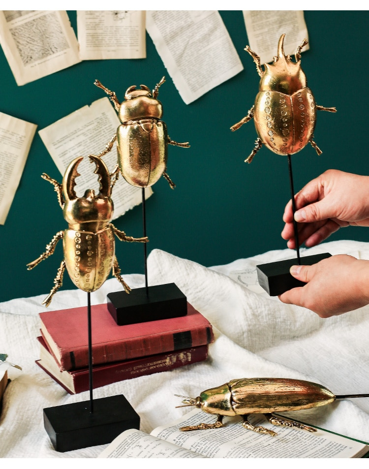 Creative Gold Black Crawling Insect With Holder Ornaments Resin Craft Home Furnishing Decor Accessories Office Desktop Figurines