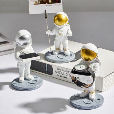 اكسسوار تمثال رجل الفضاء الاماراتي اكسسوارات منزلية