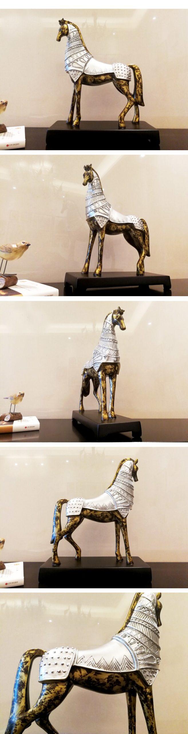 Retro Medieval War Horse Ornaments Resin Armored Horse Desk Decor Black Base European Vintage Home Decoration Accessories