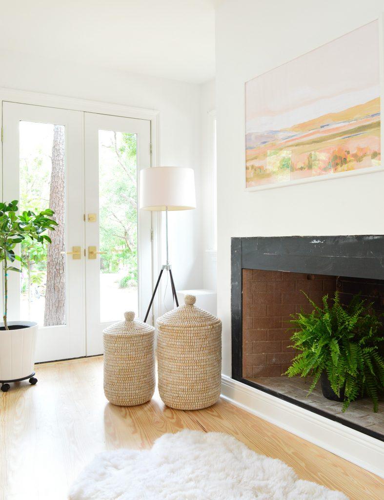 تحتوي هذه الصورة على سمة alt فارغة ؛ اسم الملف هو Florida-House-Floors-Bedroom-Fireplace-787x1024.jpg