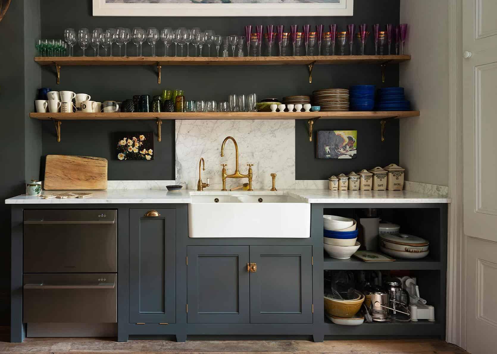 """مطبخ """"Sara's Kitchen"""" Update Spirals في تجديد كامل (Plus – ساعدها في اختيار خطة تصميم)"""