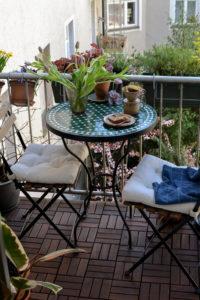 شرفة الربيع · مدونة داخلية سعيدة