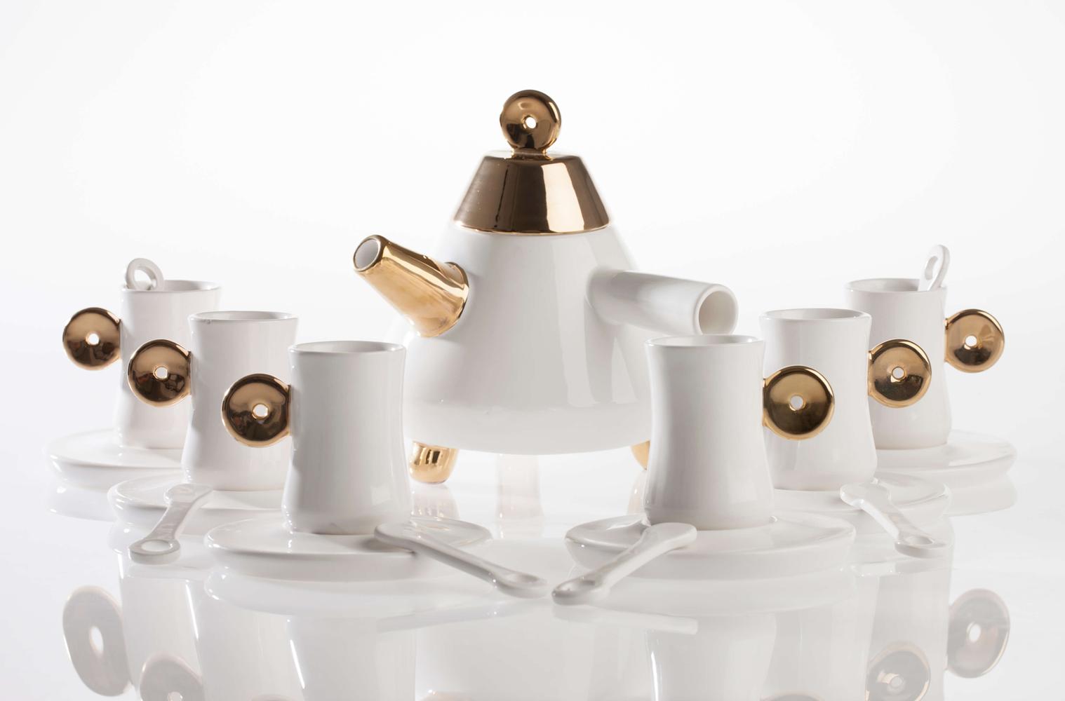 """طقم شاي """"صوفيا"""" – ثقافة الشاي في تصميم سيراب كوركماز"""