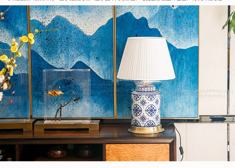 Chinese Brass Blue And White Ceramic Table Lamp European Classical Light Luxury Home Living Room Bedroom Hotel Decorative Lamps