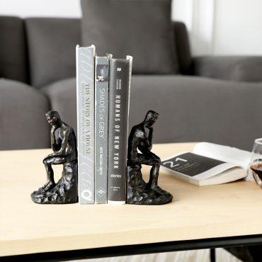 تحفة منزل الرجل الجالس حامل الكتاب اكسسوارات منزلية