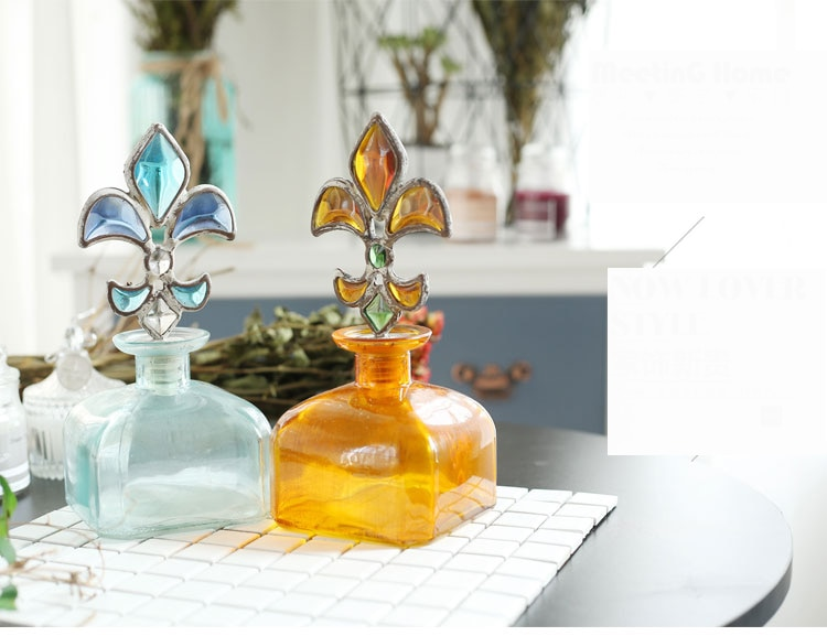 Classic Spearhead Bottle Stopper Color Glass Jar Perfume Bath Bottle Bohemian Decoration Bottle Vase Home Living Room Decoration