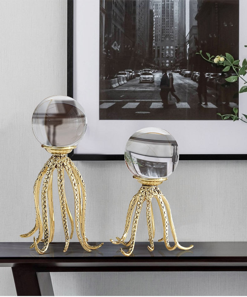 Marine Life Octopus Shape Gold Copper Statue Home Decor Accessories Figurine Living Room Crystal Glass Ball Ornament Office Gift