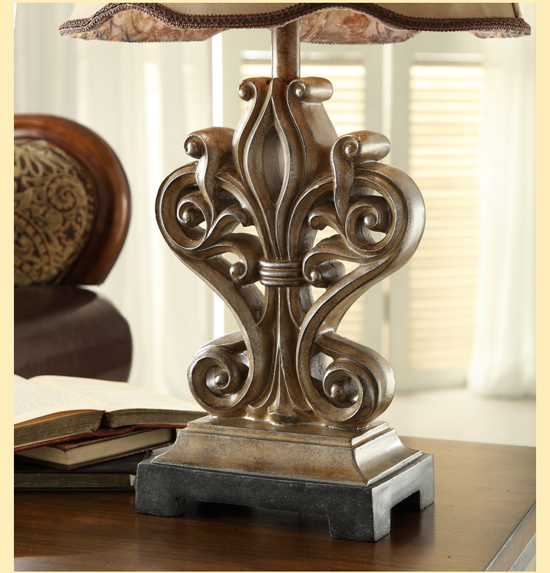 French Carved Led Table Lamp Bedroom Bedside Light Classical Creative Twisted Lines Resin Table Light Bedside Lamp Desk Light