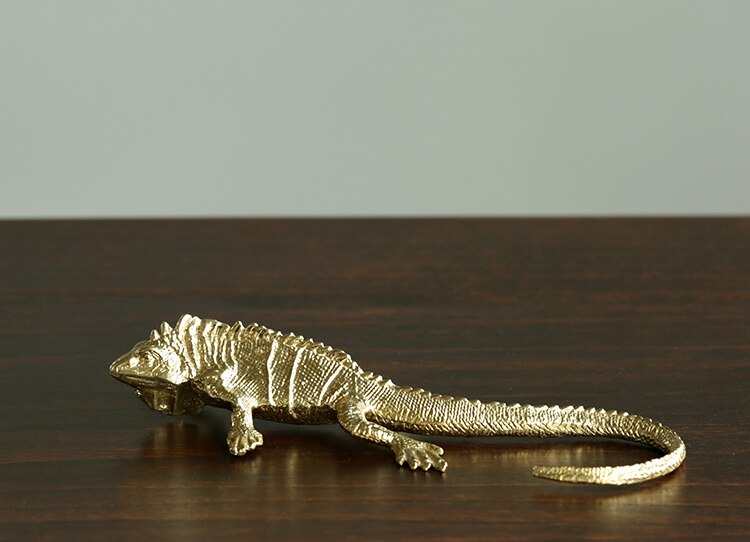 Luxury Gold Reptile Figurines Decoration Home Living Room Table Lizard Chameleon Ornaments Decor Office Desk Brass Crafts Art
