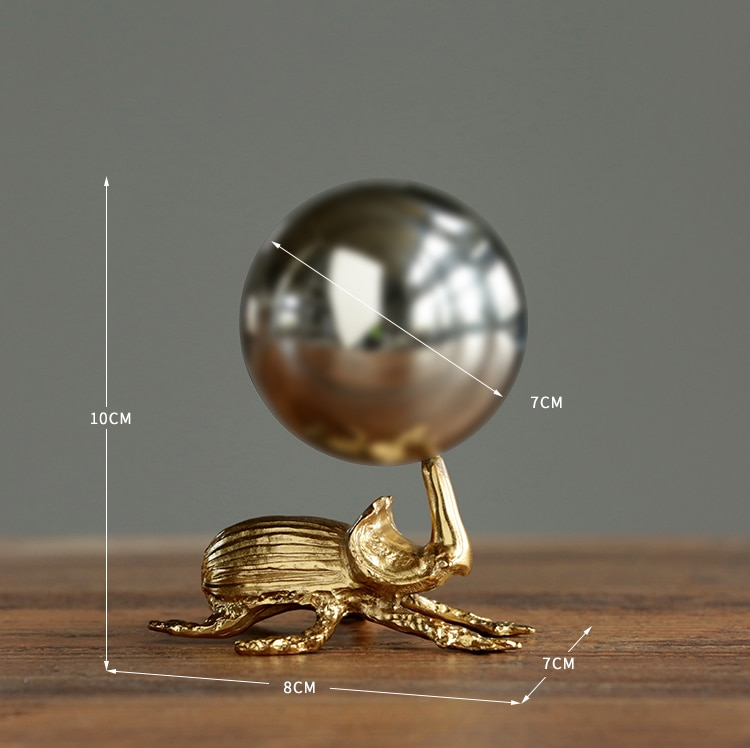 Gold Ladybug Carrying A Stainless Steel Ball Ornament Personalized Decoration Home Living Room Bookshelf Fun Statue Gifts