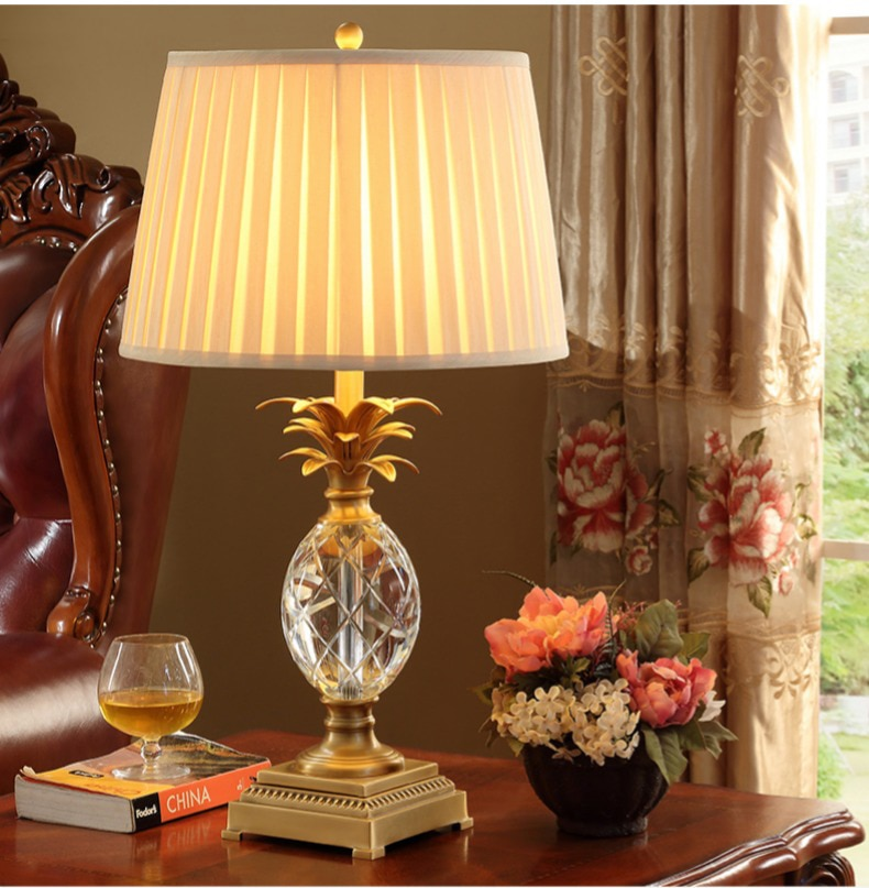 Luxtry Crystal Glass Table Lamp Pineapple Shape Metal Bedside Desk Lights Lamparas De Mesa Book Lamps Deco Luminaria Home Lights