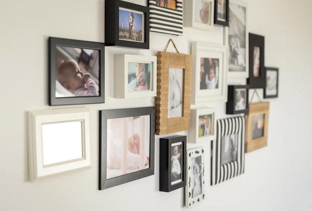 أفكار ديكور لعرض صور العائلة في المنزل