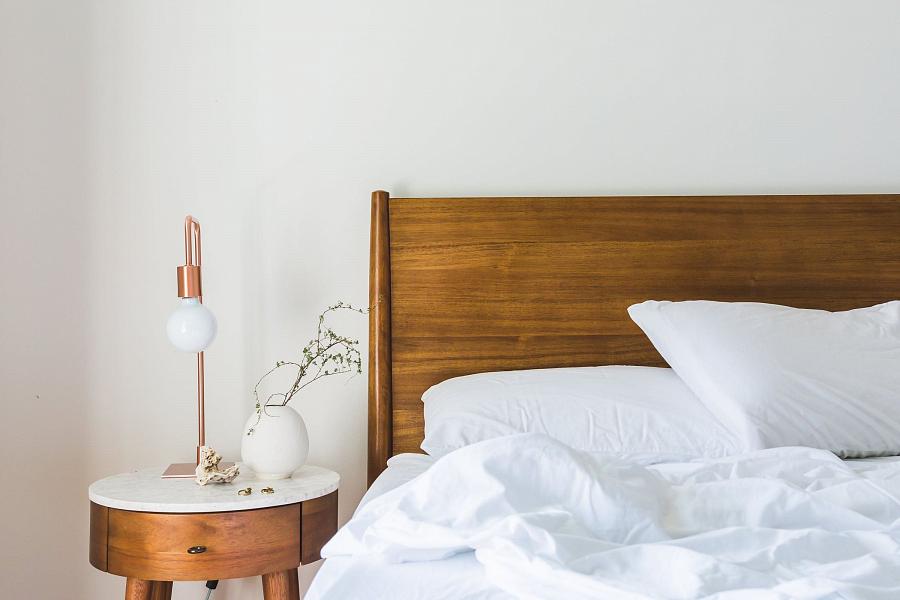 كيفية اختيار السرير – من الأفضل اختيار سرير مزدوج بآلية رفع وما هو حجمها