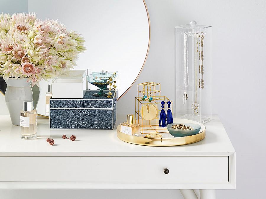 تخزين المجوهرات والمصوغات – كيفية تخزين الأقراط والسلاسل في المنزل