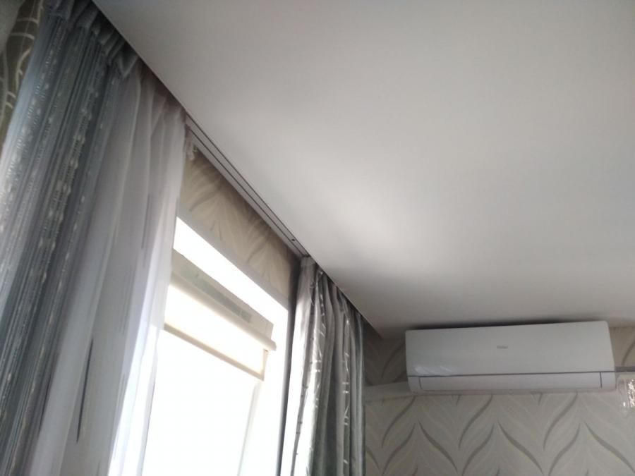 كورنيش مخفي على سقف ممتد
