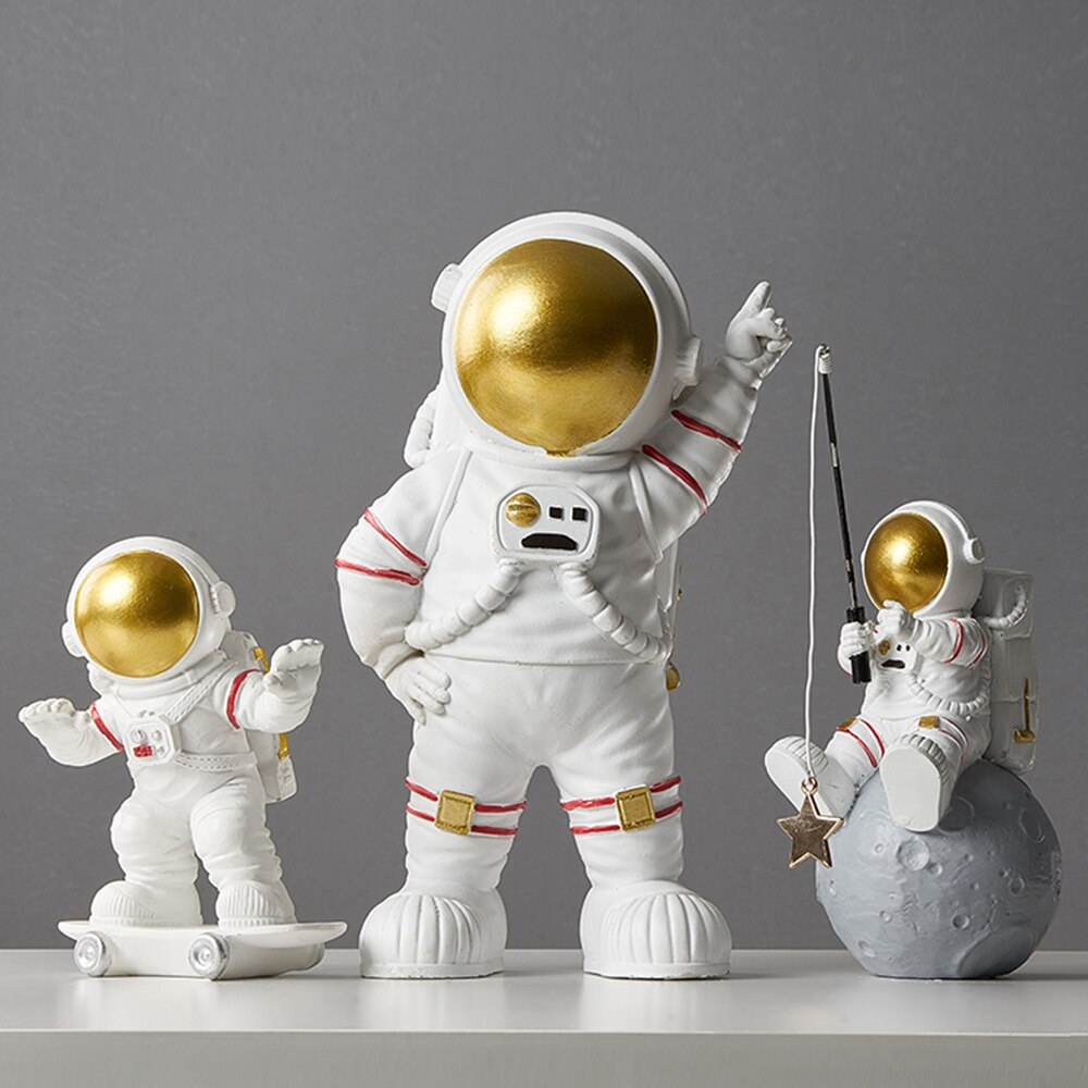 Nordic decor home decoration miniatures accessories for living room modern creative figurine Desk crafts astronaut statue Gifts