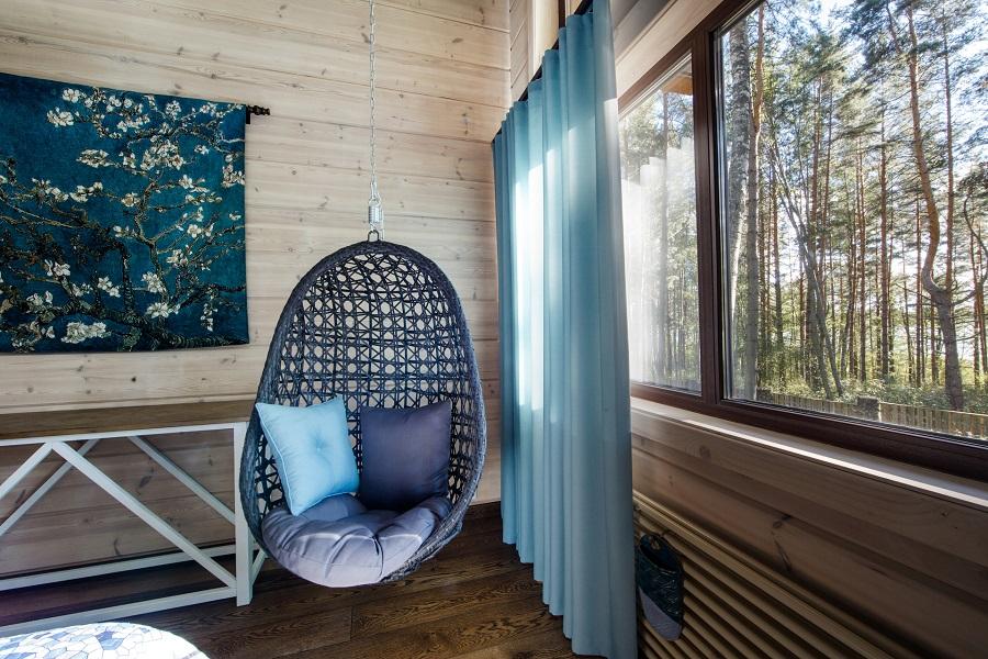كيفية تثبيت الكرسي المعلق بشكل آمن في السقف؟