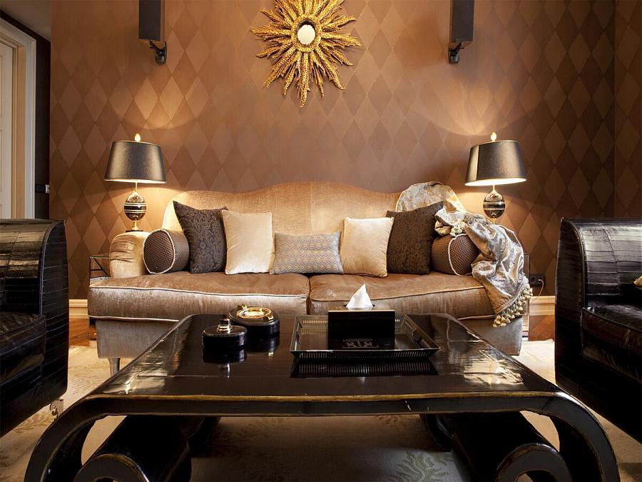 مرآة الشمس في داخل غرفة المعيشة على طراز فن الآرت ديكو