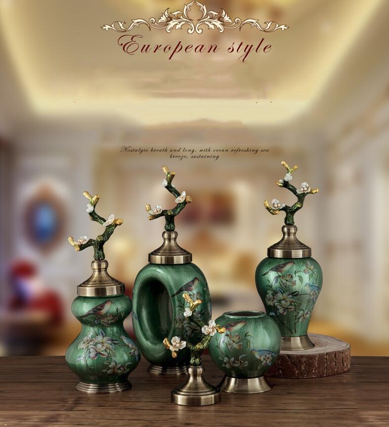 European Classic Luxury Ceramic Vase Ornaments Decoration Crafts Home Livingroom Statues Coffee Bar Desktop Retro Figurines Art
