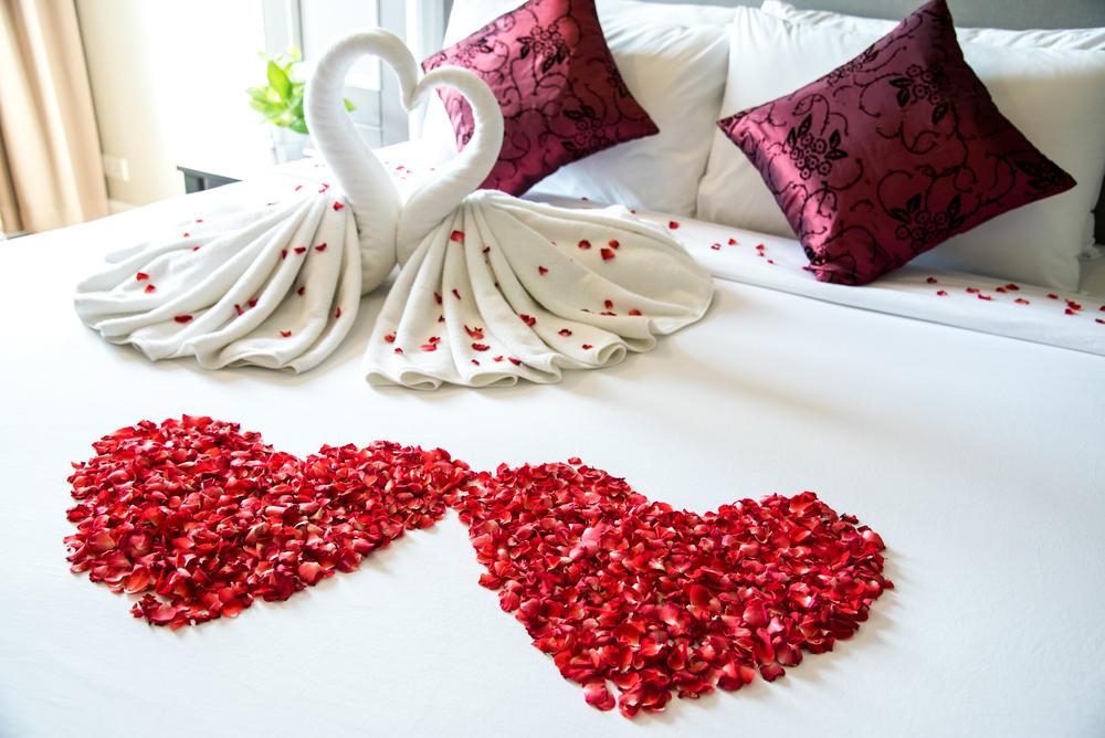 أفكار تزيين غرفة النوم في عيد الحب