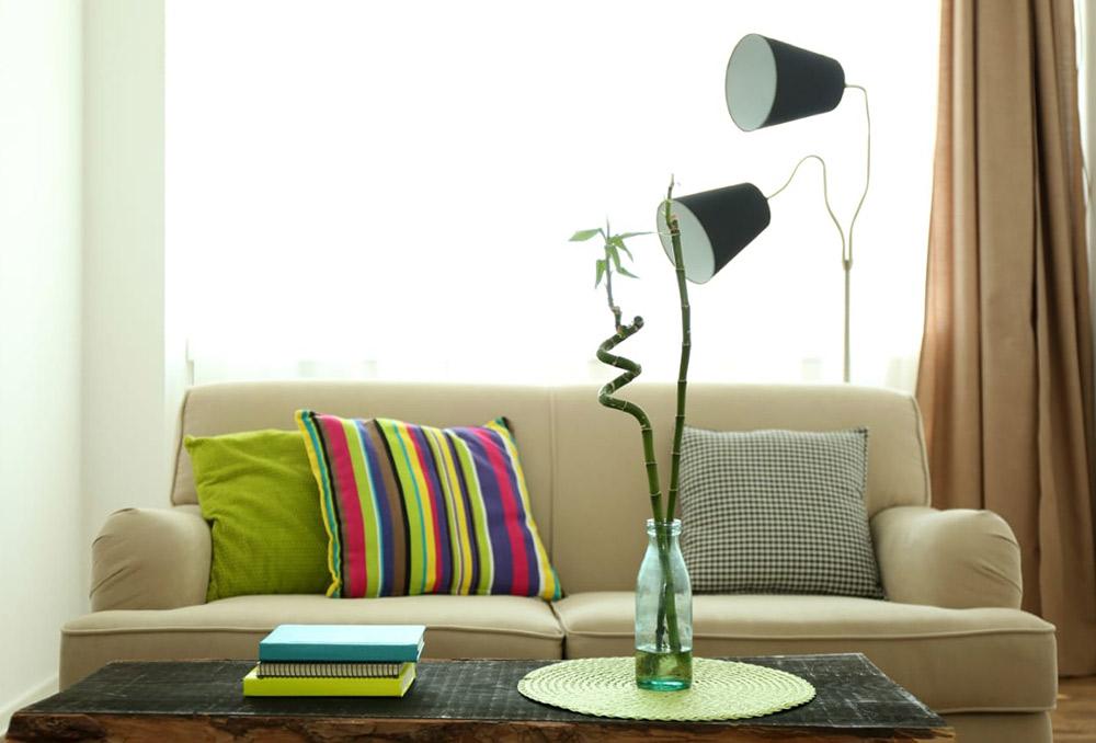 أفكار ديكور جذابة في غرف المعيشة الضيقة