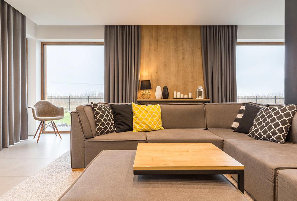 طرق تنسيق ألوان وسائد الأريكة