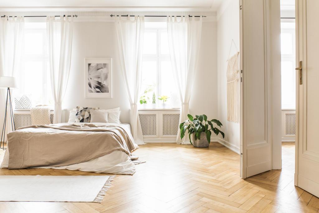 ديكور غرفة النوم باللون الكريمي