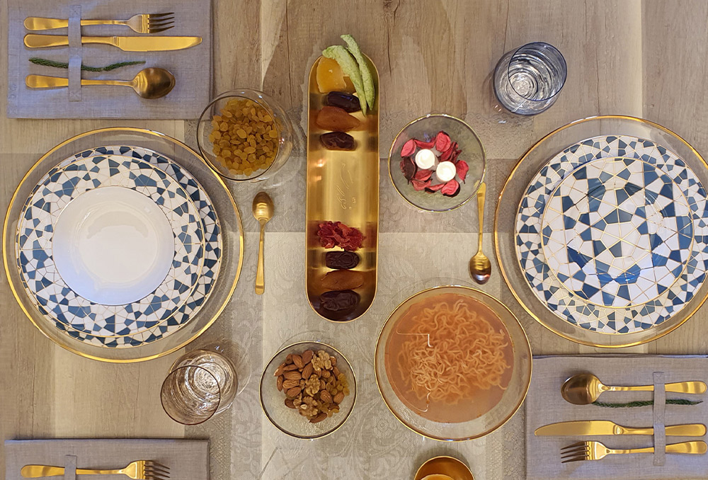 ديكور طاولة طعام رمضان بين الكلاسيكية والمعاصرة