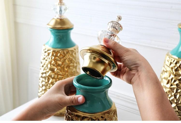 European Ceramic Crystal Cover Wrinkled Gold Vase Ornaments Gold Plated Decorative Jars For Home Living Room Desk Porcelaim Vase