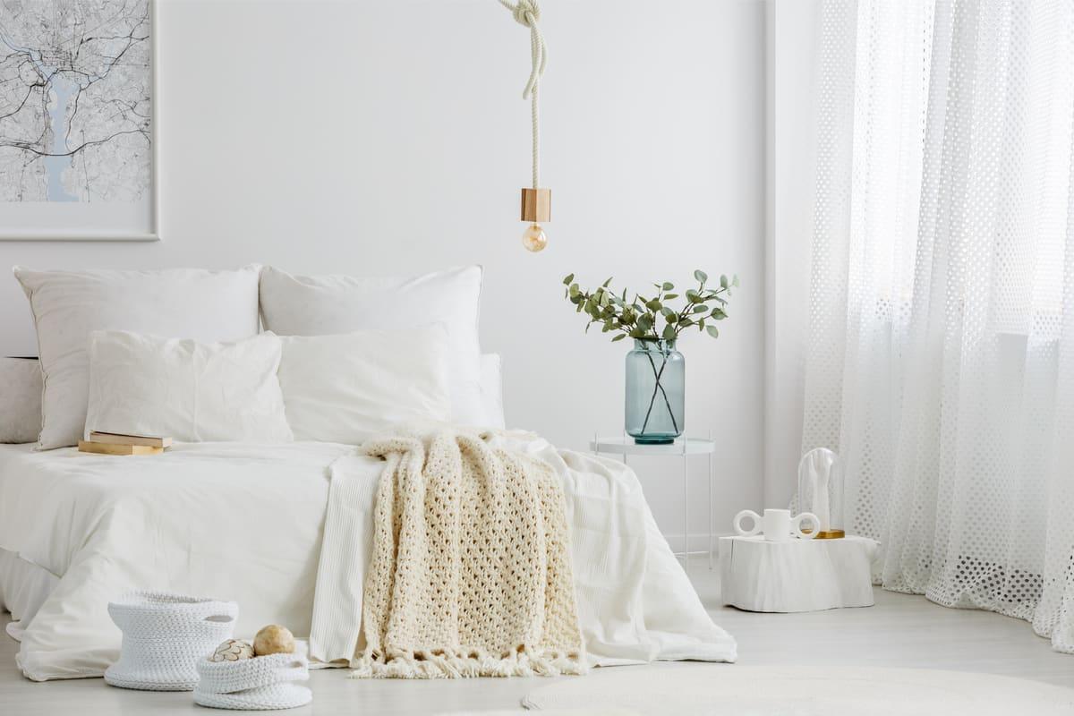 اللون الأبيض في ديكور غرفة النوم