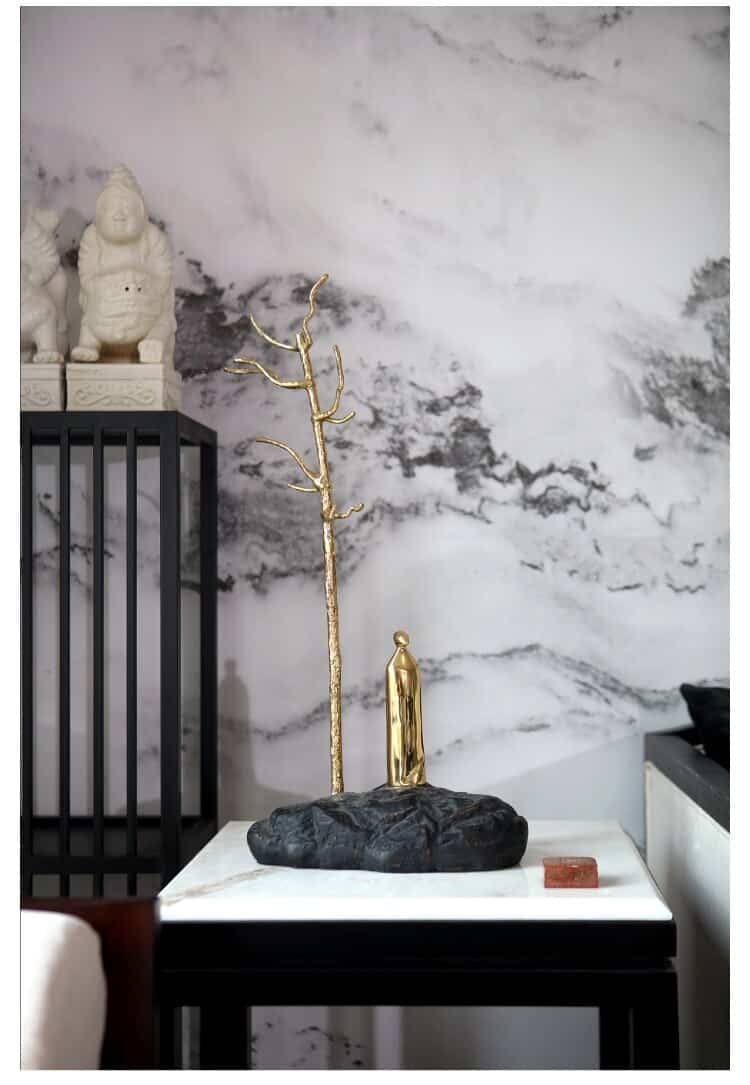 Luxtry Abstract Figures Stand Under Golden Brass Tree Trunks Statue Ornament For Home New House Hotel Decor Art Collection Craft