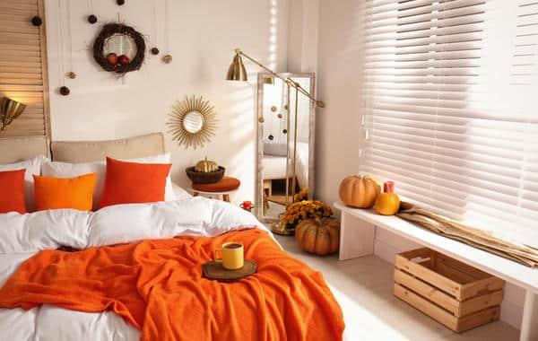 أفكار تزيين الخريف في غرفة النوم