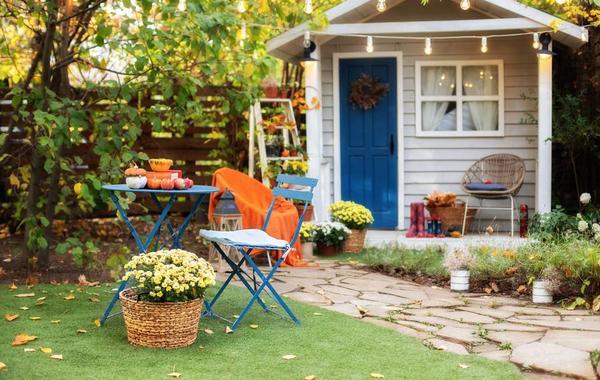 أفكار ديكور الخريف للحدائق المنزلية الداخلية