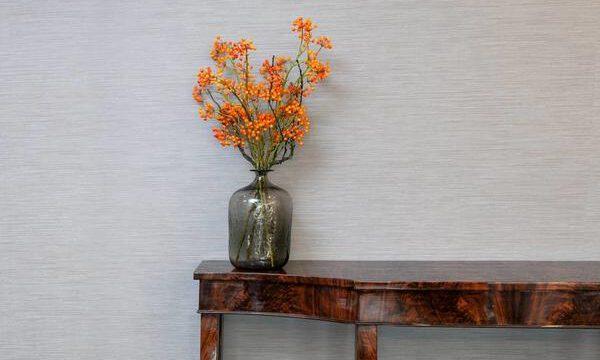 كيفية استخدام اللون الرمادي في زخرفة الخريف؟